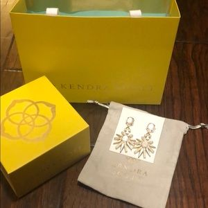 Kendra Scott gold & ivory earrings